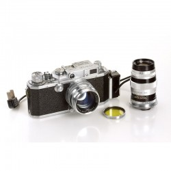 Canon II S2 Chrome rangefinder camera. Lenses 1,8/50mm and 3,5/100